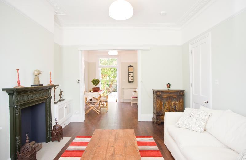 Beautiful 3 Bed with garden, Bassein Park Road, Shepherd's Bush - Image 1 - London - rentals