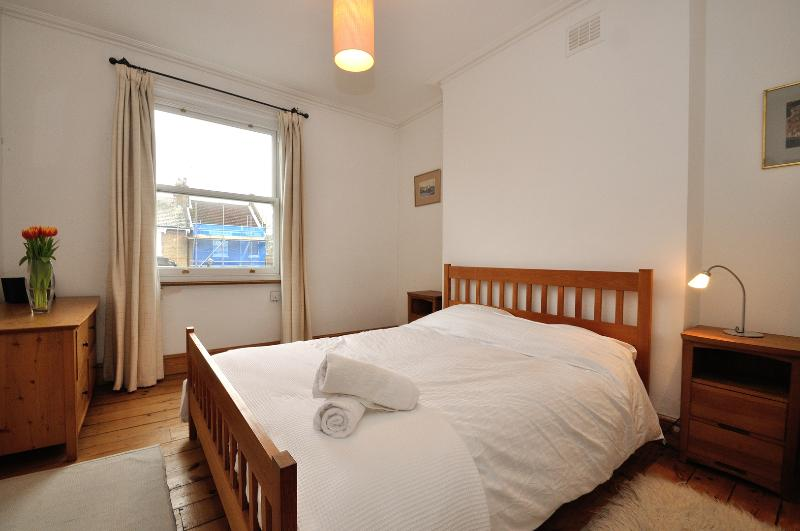 Four bed with garden, 2 mins from Tufnell Park tube, Islington - Image 1 - London - rentals