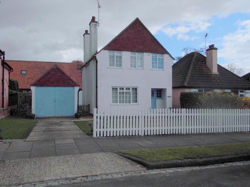 front of house - Upper Fourth Avenue - Frinton-On-Sea - rentals