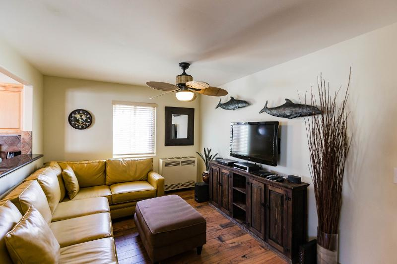 Living Room - 715 Toulon Court, MISSION BEACH, CA - Pacific Beach - rentals