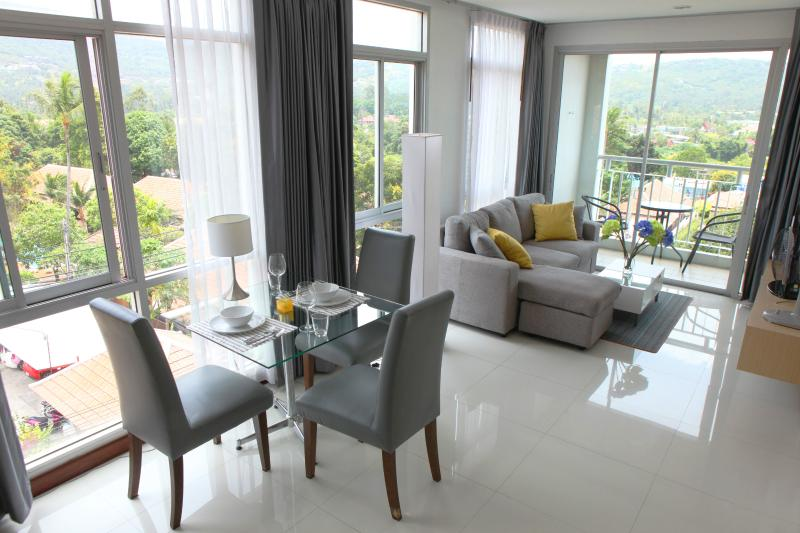 Beautiful bright living and dining area with a lot of glas. - Koh Samui modern and stylish seaview apartment - Bophut - rentals
