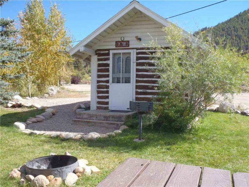 Rustic and Cute Studio Cabin at Three Rivers Resort in Almont (#7) - Image 1 - Almont - rentals