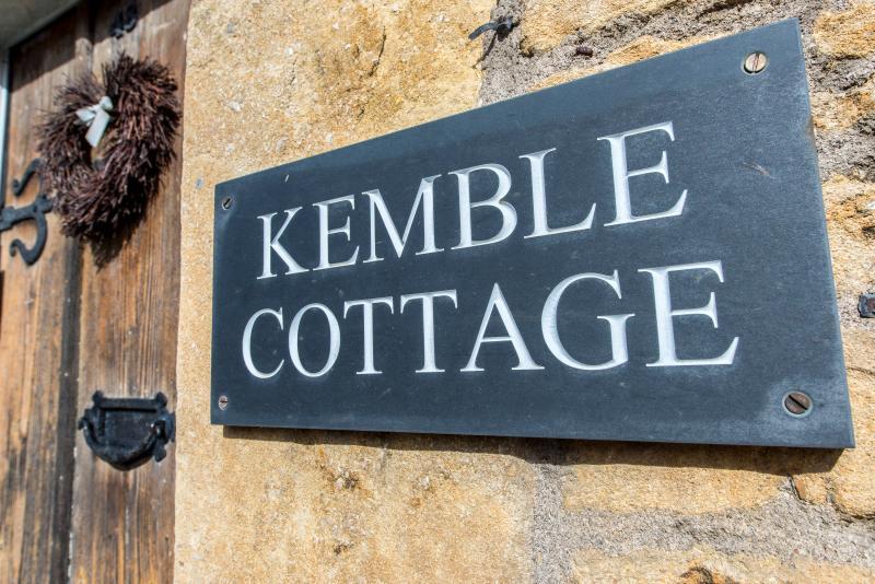 Kemble Cottage - Image 1 - Bradford-on-Avon - rentals