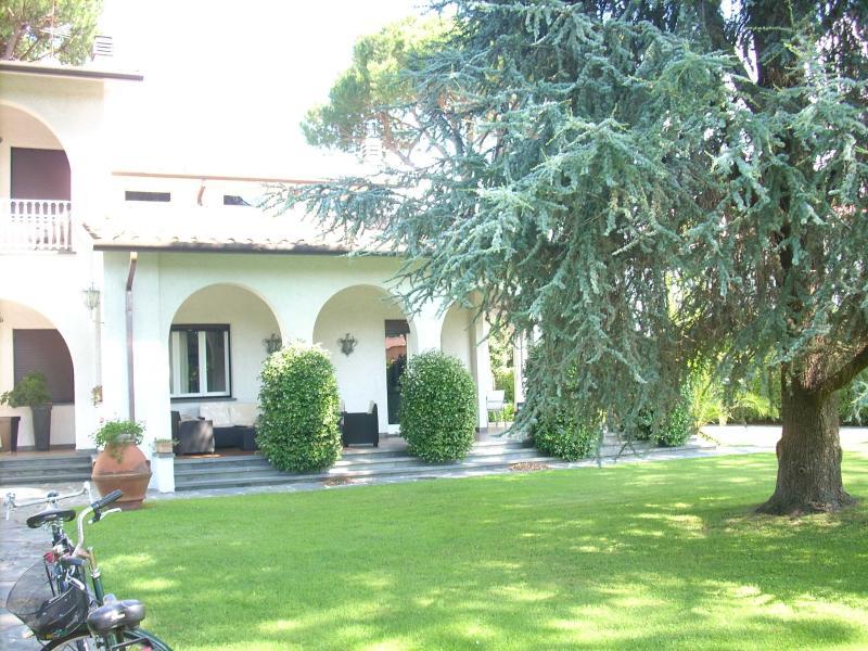 Villa Andrea - Image 1 - Forte Dei Marmi - rentals