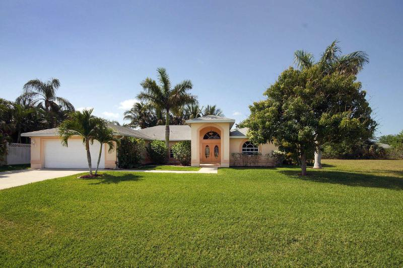 Villa Julia - Image 1 - Cape Coral - rentals