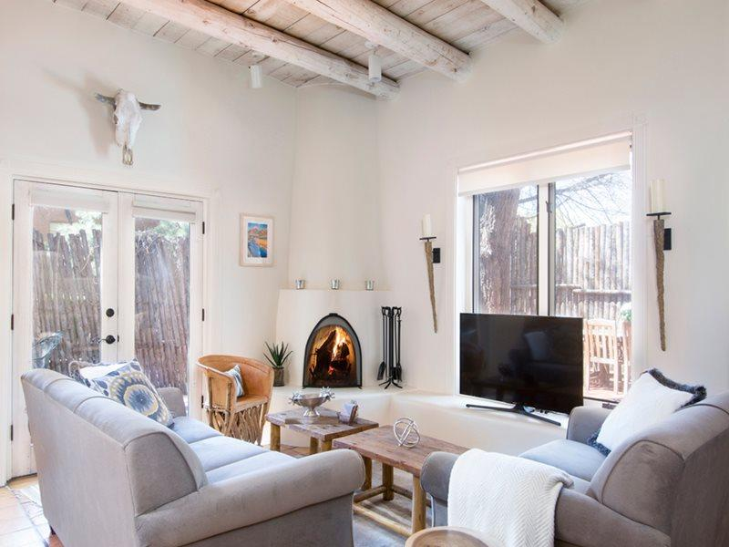 Living Room - Suite 16 - Santa Fe - rentals