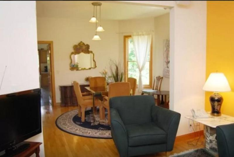 BEAUTIFUL AND CLASSY FURNISHED 2 BEDROOM 1  BATHROOM APARTMENT - Image 1 - Chicago - rentals