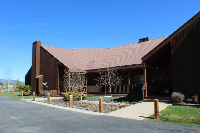 Aspenwood 4321 is a vacation condo surrounded by mountain views in the Pagosa Lakes Area. - Image 1 - Pagosa Springs - rentals