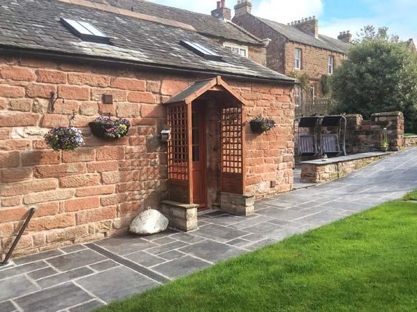 DUFTON HALL COTTAGE, pet friendly, country holiday cottage, with a garden in Dufton, Ref 3965 - Image 1 - Cumbria - rentals