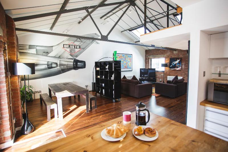 """Incredible"" 2 Bed, New York Style Loft Apartment - Image 1 - Bristol - rentals"
