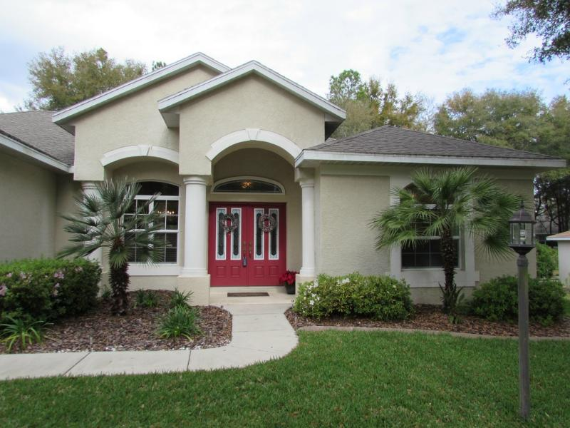 Grand front entry - RAINBOW RIVER ACCESS - Beautiful 3/2 Pool Home - Dunnellon - rentals