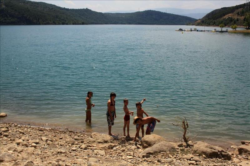 Holiday Apartment in the Pyrenees next to the Lake - Image 1 - Salas de Pallars - rentals