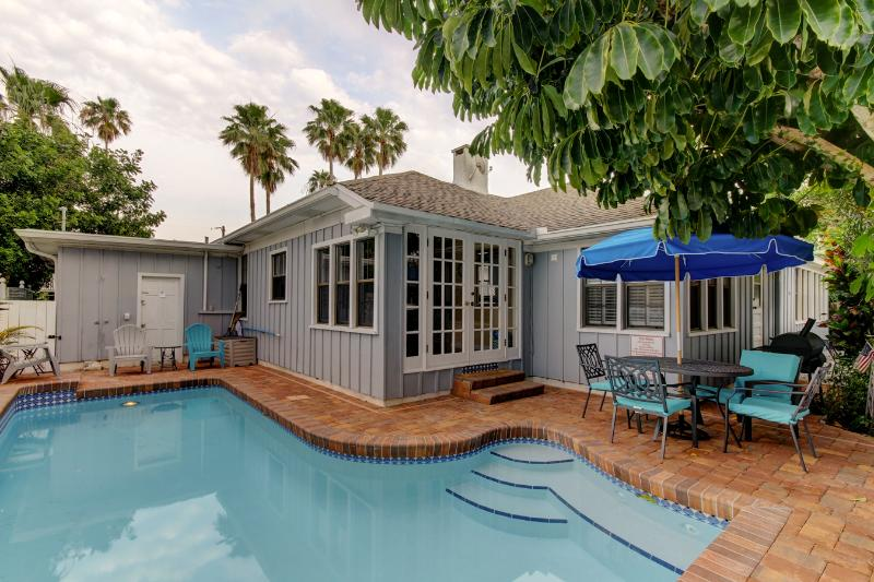 Coconut House - Private Pool - September Special - Image 1 - Clearwater - rentals