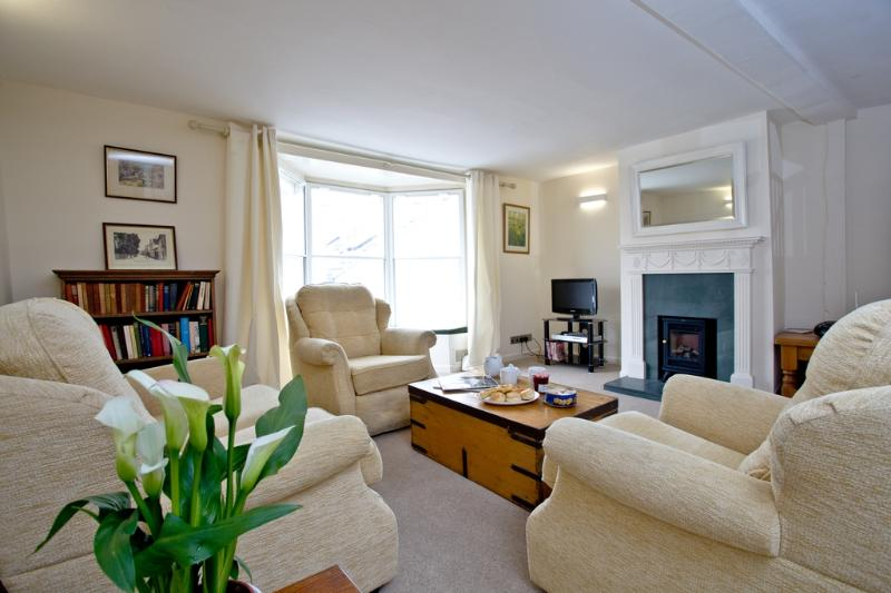 44 Fore Street located in Topsham, Devon - Image 1 - Topsham - rentals