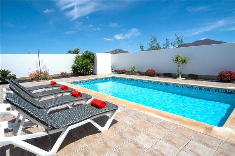 Villa LVC227772 - Image 1 - Playa Blanca - rentals