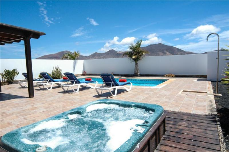 Villa LVC227773 - Image 1 - Playa Blanca - rentals