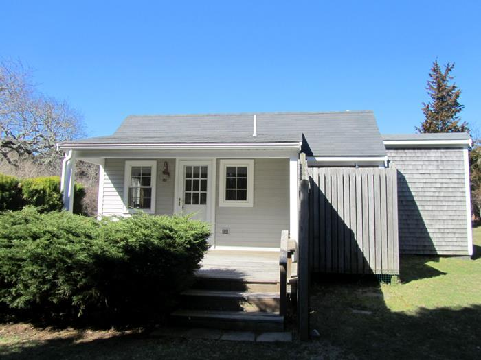 Walk to Nauset from this Cozy Cottage! - Image 1 - East Orleans - rentals