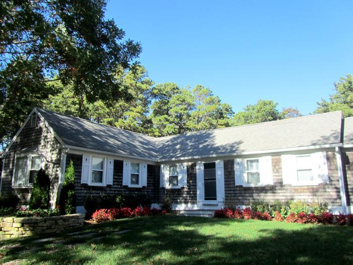 Lovely L-shaped ranch & walk to beach - Image 1 - Truro - rentals