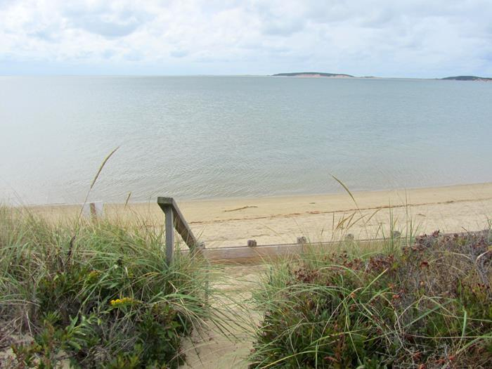 2 Bedroom Beachfront Cottage - Image 1 - Wellfleet - rentals