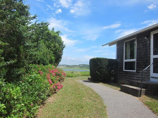 2 Bedroom Beach Cottage with Views - Image 1 - Wellfleet - rentals