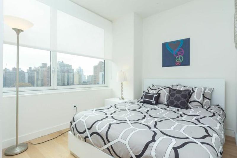 ELEGANT AND STYLISH 2 BEDROOM APARTMENT - Image 1 - Riverdale - rentals