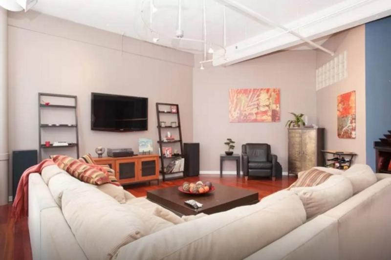 Outstanding 2 Bedroom Loft in Chicago - Spacious and Bright - Image 1 - Chicago - rentals