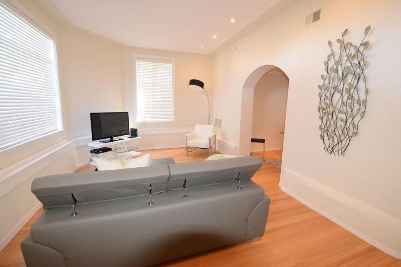 BEAUTIFULLY FURNISHED AND CLEAN 1 BEDROOM, 1 BATHROOM APARTMENT - Image 1 - San Francisco - rentals