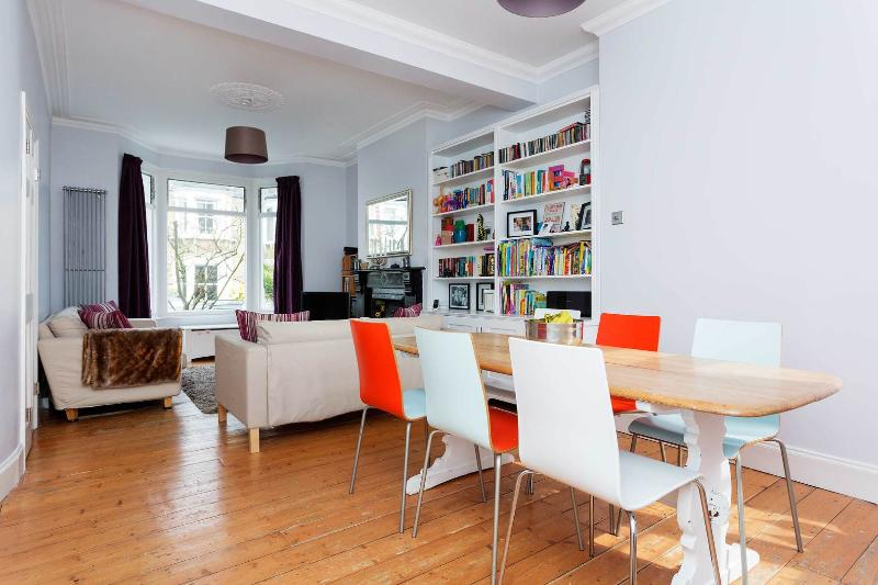 A colourful and modern four bedroom house in Greenwich - Image 1 - London - rentals