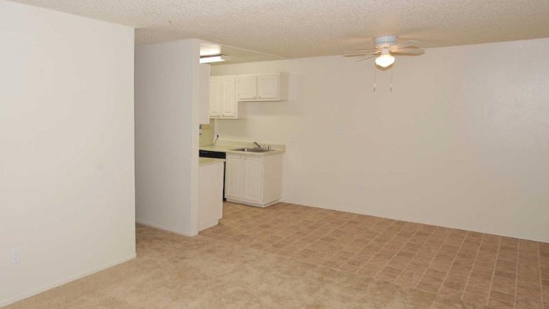 COZY AND WARM 1 BEDROOM, 1 BATHROOM APARTMENT - Image 1 - Union City - rentals