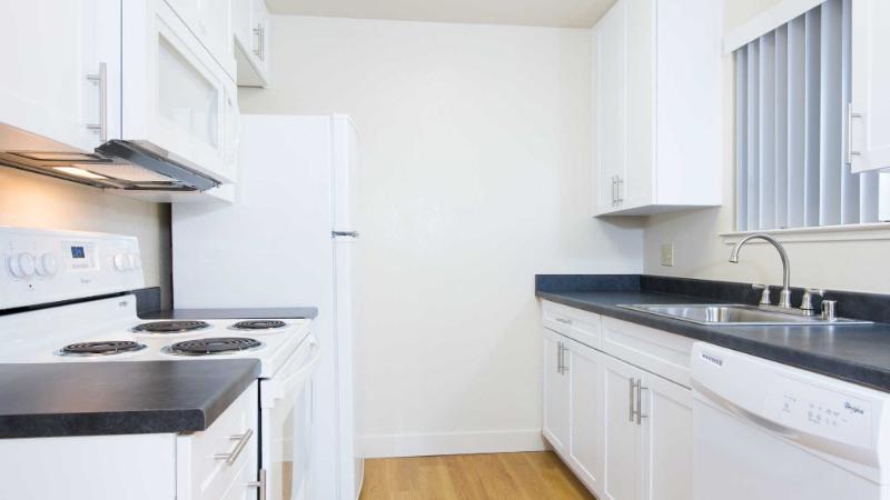 WONDERFULLY FURNISHED 1 BEDROOM, 1 BATHROOM APARTMENT - Image 1 - Union City - rentals