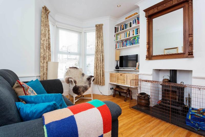 A light and modern Victorian house in North London. - Image 1 - London - rentals
