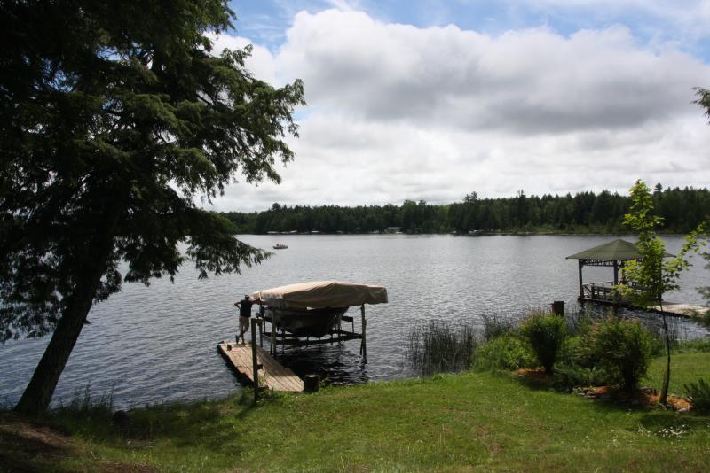 Big Lake - Lake front cabin, fishing, boating, relaxing - Land O  Lakes - rentals