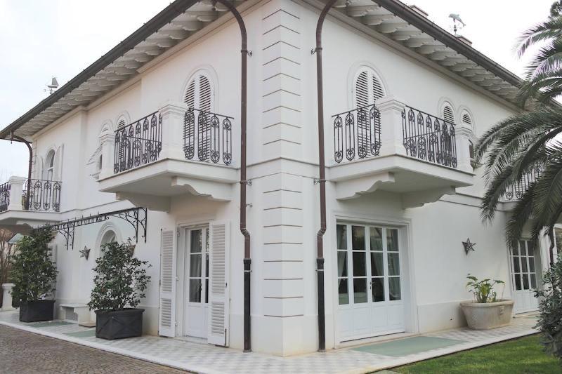 Villa Alexia - Image 1 - Forte Dei Marmi - rentals
