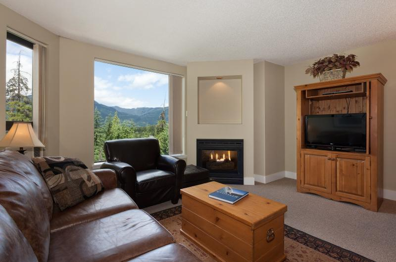 This bright, open condo is a pleasure to stay in! - Whistler Marquise 1 Bedroom Condo (sleeps 4) with Fabulous Amenities! - Whistler - rentals
