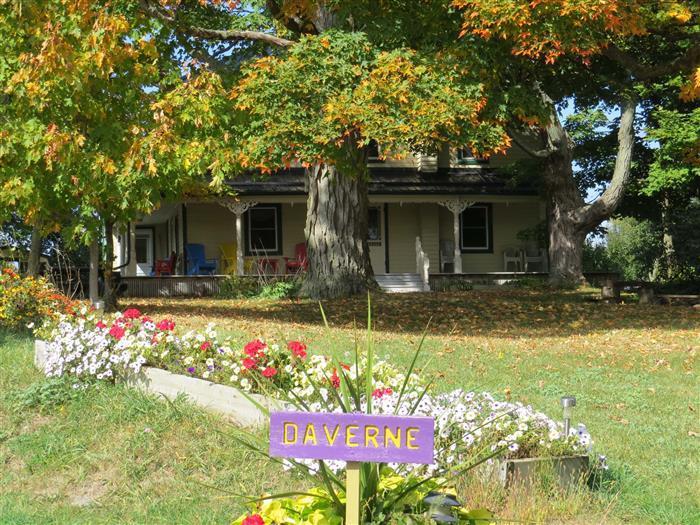 Daverne Farmhouse 1815 - Image 1 - Napanee - rentals