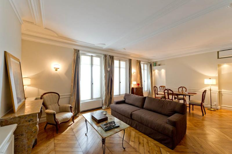 St Germain de Pres Rental at Rue Dauphine - Image 1 - Paris - rentals
