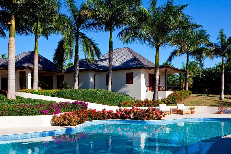 Tir Na Nog - Image 1 - Saint George Parish - rentals