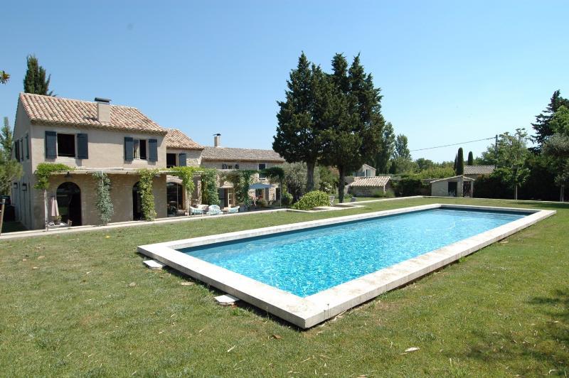 Mas Eternel - Image 1 - Saint-Remy-de-Provence - rentals