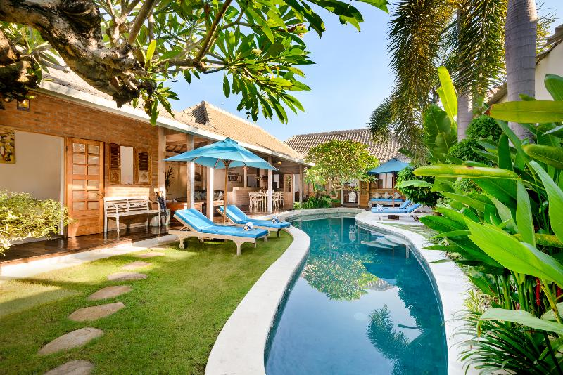 VILLA AMSA, BALINESE FEEL, WALK TO SHOPS, VALUE - Image 1 - Seminyak - rentals