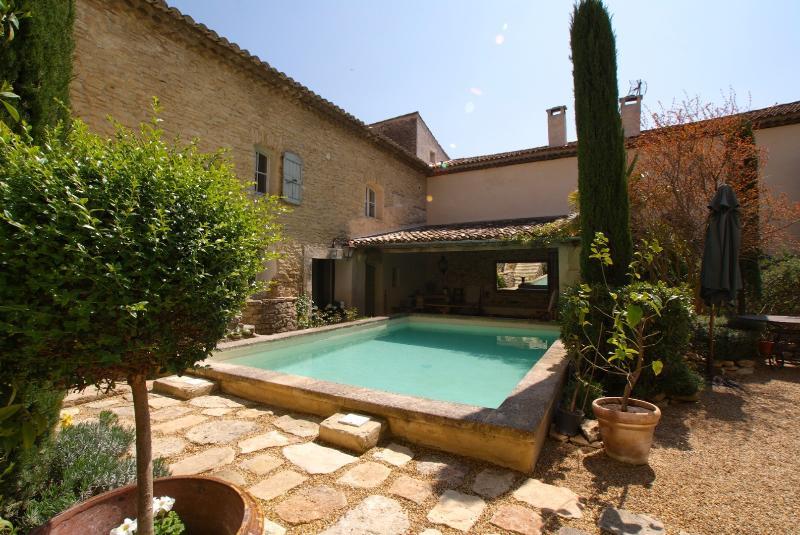 Belle Demeure - Image 1 - Cabrieres-d'Avignon - rentals