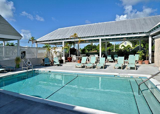 Duval Square Castaway: A condo steps from the action - Image 1 - Key West - rentals