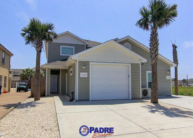 Front of duplex (garage not available for guest use) - When you're ready to enjoy Padre Island come stay at Aruba Beach Getaway. - Corpus Christi - rentals