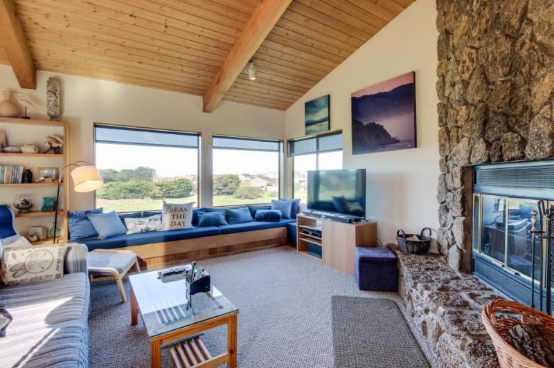 Dog-friendly Sea Ranch home near playground & beach w/ shared pool - Image 1 - Sea Ranch - rentals