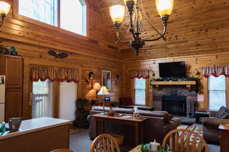 COZY CABIN + DISCOUNTS TO DOLLYWOOD&DIXIE STAMPEDE - Image 1 - Sevierville - rentals
