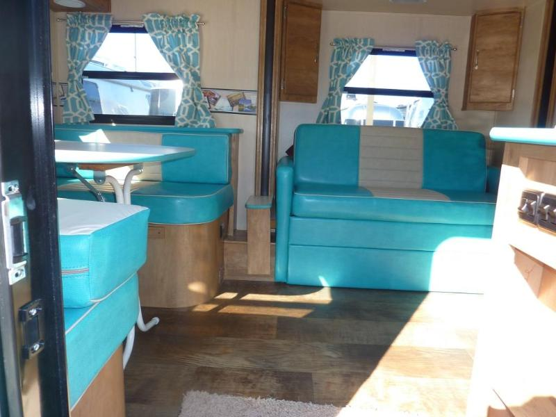 Happy Days camper-sleeps 2-4 - Image 1 - Logan - rentals