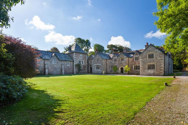 Great Bidlake Manor - Image 1 - Bridestow - rentals