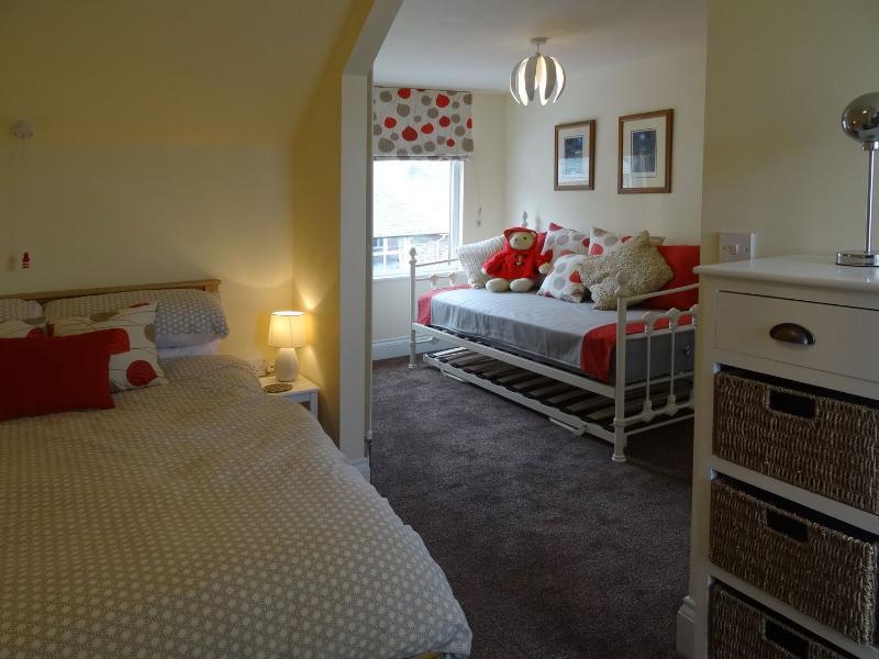 24 Crossmead - Image 1 - Lynton - rentals