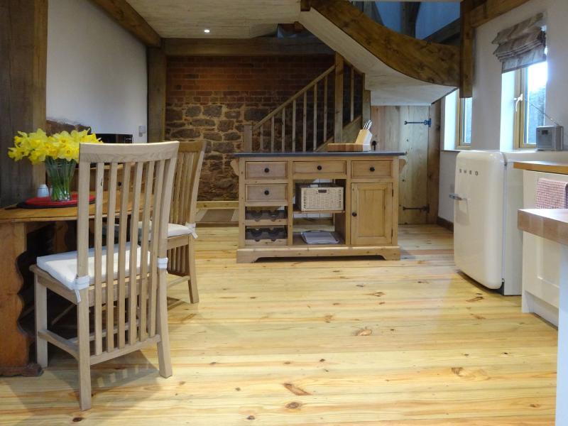 The Woodshed - Image 1 - Brampford Speke - rentals