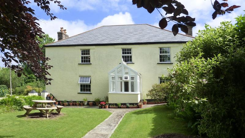 Tillislow Barton Farmhouse - Image 1 - Beaworthy - rentals