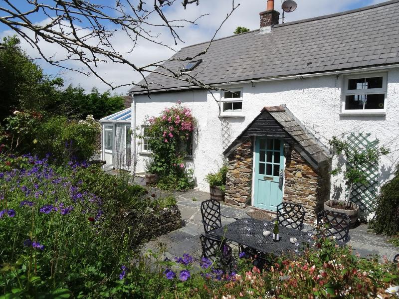 Mays Cottage - Image 1 - Saint Issey - rentals